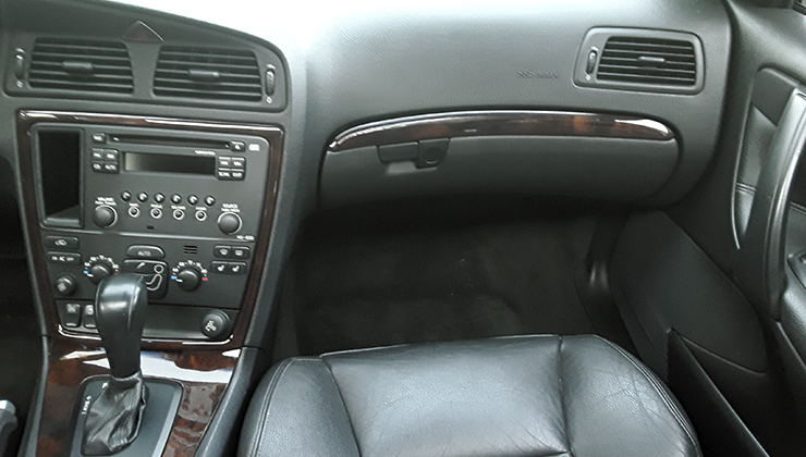 VOLVO S60 2.5T SEDAN 4D 2005